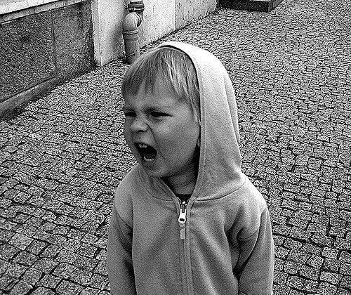 reagire alle grida dei bambini