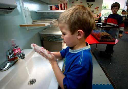 Bambini tra i 2 e i 6 anni: quali compiti possono svolgere?