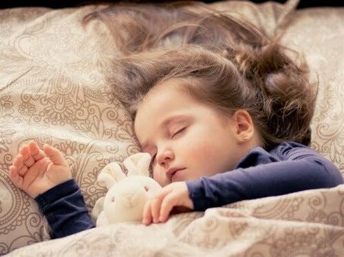 Consigli perché il vostro bebè cominci a dormire da solo