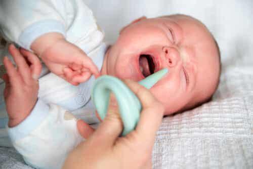 Come eliminare facilmente il muco del vostro bambino