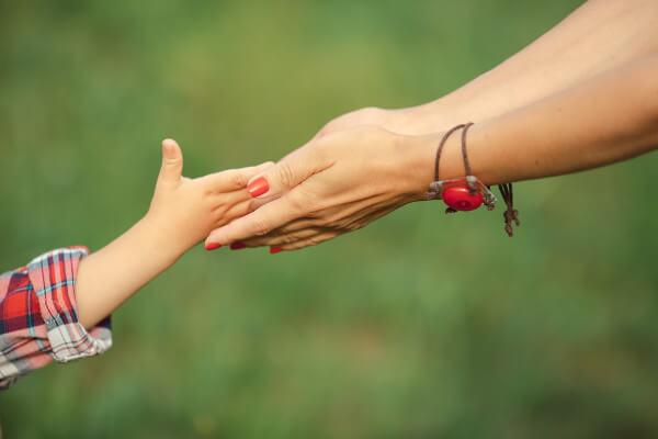 Sessismo: 7 cose che una madre deve insegnare alla propria figlia