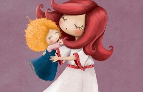 Una bimba vuole stare in braccio alla madre.