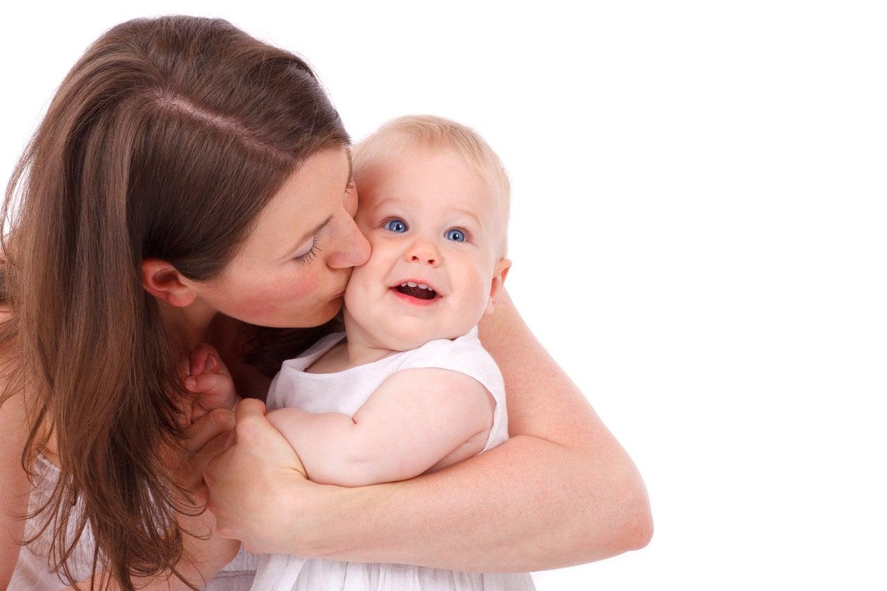 prima di uscire bisogna salutare il bambino