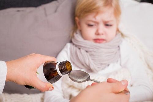 Se il bambino ha i vermi una medicina può farlo guarire.