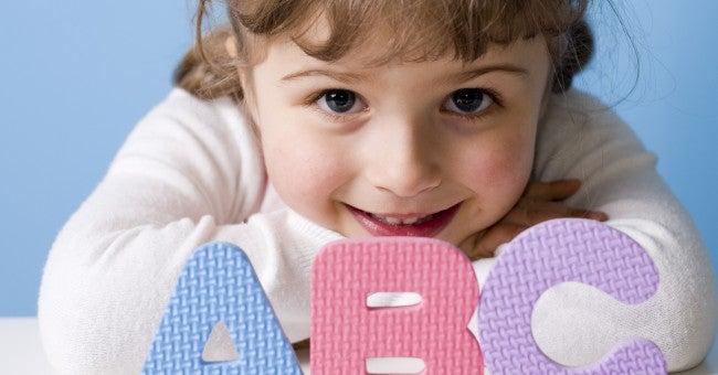 Per capire il vostro figlio di due anni, è importante capire come affrontare la sua cattiva condotta