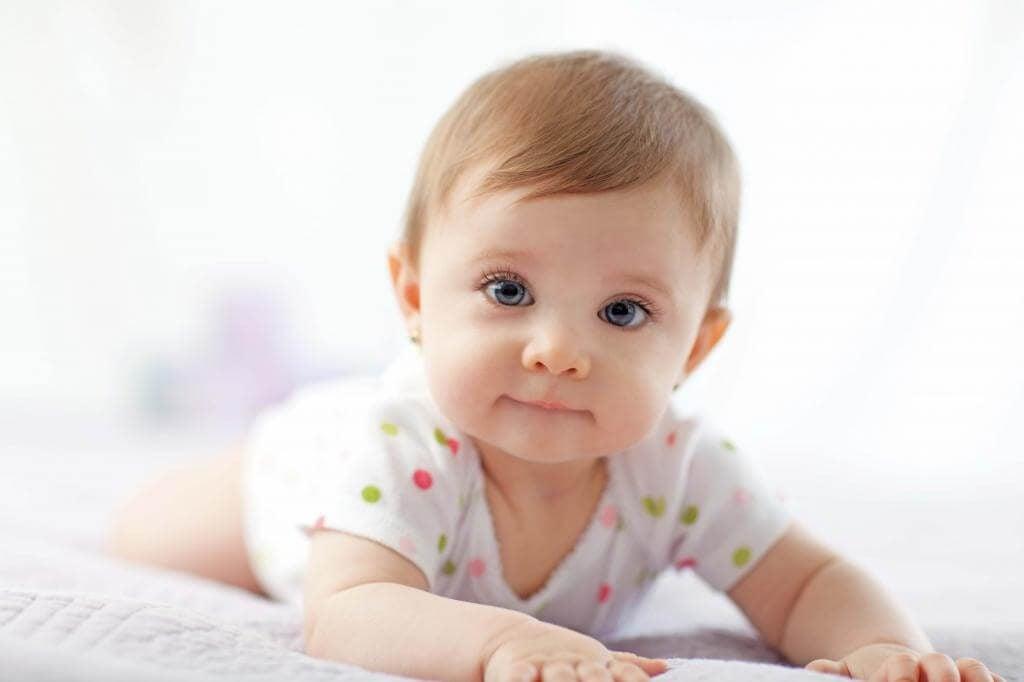 L'importanza di mettere il bebè a faccia in giù