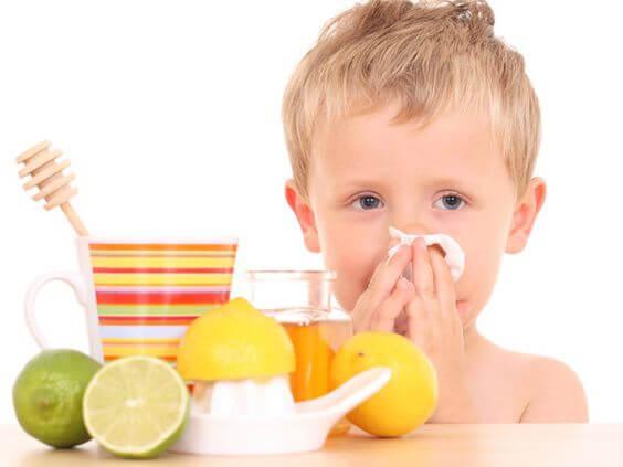 Integrare le difese immunitarie con frutta e altri cibi
