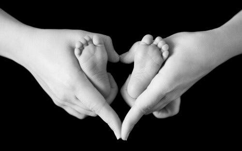 L'amore di figlio rende più forte una madre.