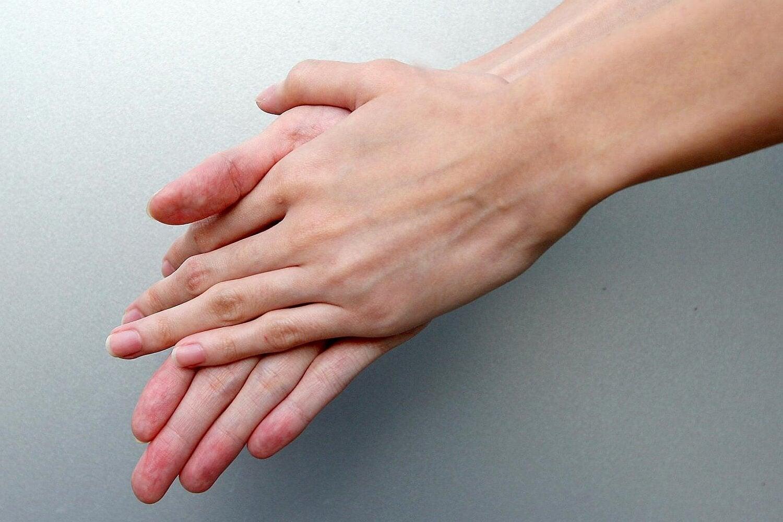 Prima di toccare un neonato bisogna sempre lavarsi le mani