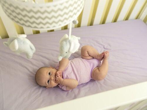 La culla del bambino: ecco come dovrebbe essere