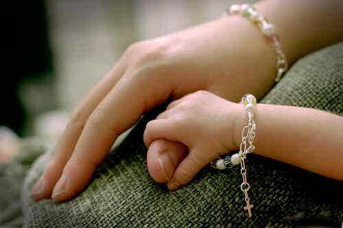 5 elementi fondamentali del legame tra madre e figlio