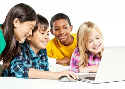 Nel quarto stadio dello sviluppo cognitivo i bambini cominciano a gestire i concetti astratti