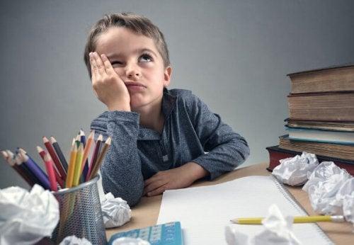 L'iperattività crea difficoltà nel fare i compiti