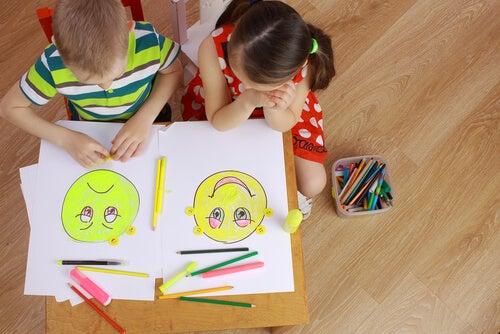 Come incoraggiare l'intelligenza emotiva dei bambini