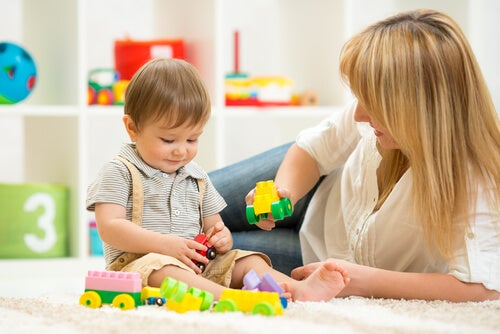Uno degli stadi dello sviluppo cognitivo del bambino è quello senso-motorio
