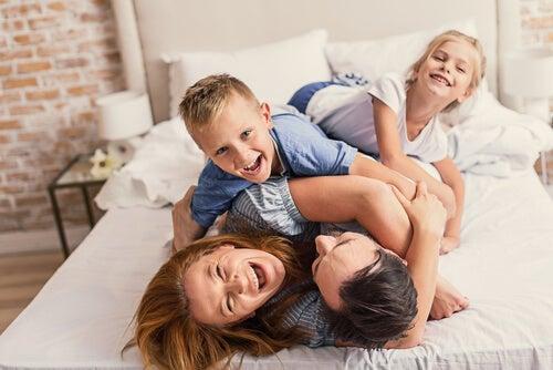 le madri amano di più i figli maschi