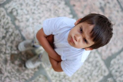 Non è facile parlare con un bambino arrabbiato.