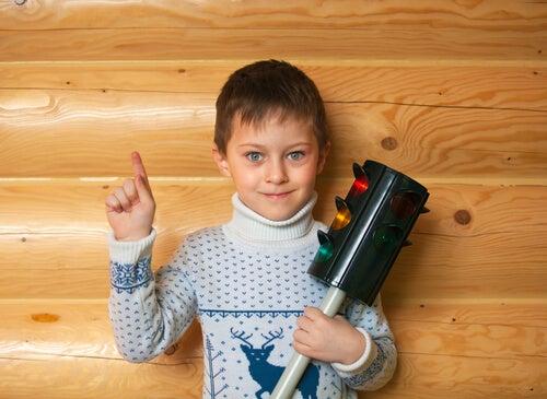 La tecnica del semaforo per controllare le emozioni dei bambini