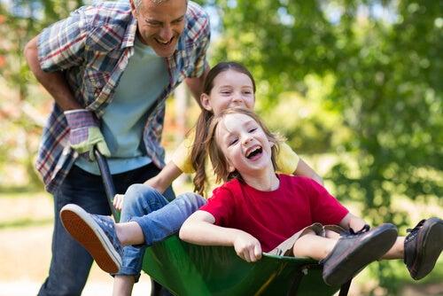 L'iperattività infantile costringe i bambini a muoversi in continuazione.