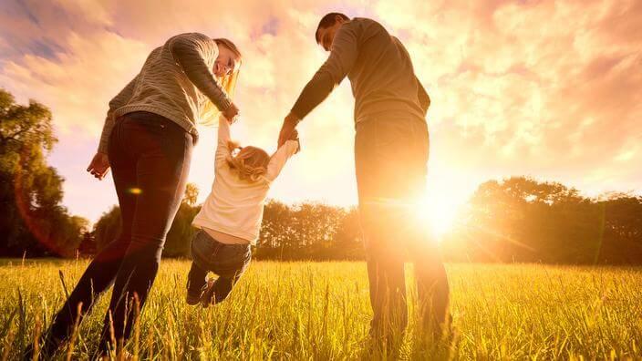 Amare un figlio aiuta il suo sviluppo
