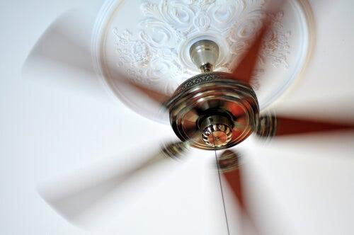 Anche il ventilatore produce rumore bianco