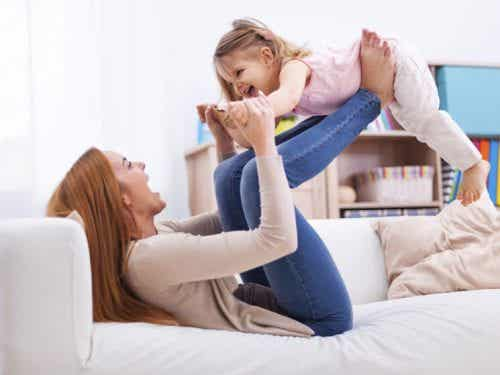 Per il bambino, la zia è come una seconda madre