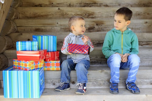 L'invidia nei bambini: cause e modi per farla passare