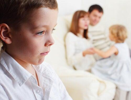 L'invidia nei bambini spesso è provocata dall'arrivo di un fratellino
