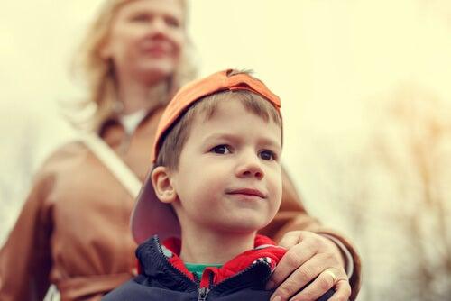 Che cosa possiamo fare con un bambino iperprotetto?