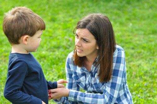 L'assenza della madre priva i bambini della loro più importante protezione