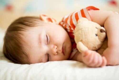 L'importanza degli orari del sonno dei bambini