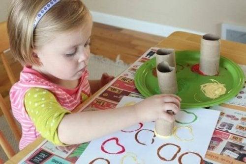 Per promuovere i doni dei vostri figli, è importante stimolare la loro sensibilità artistica