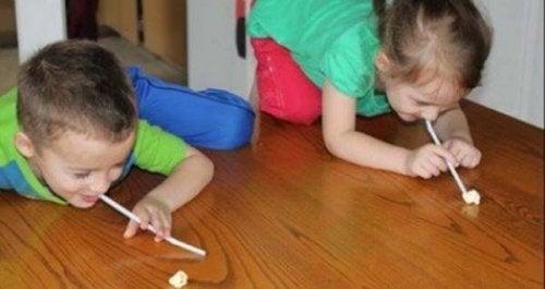 I bambini hanno tante cose da insegnarvi, ad esempio il fatto di divertirvi con poco