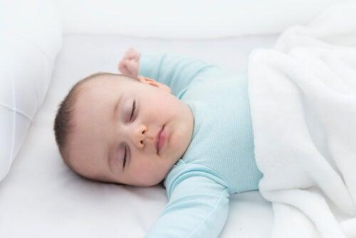Il riflesso del collo comporta alcuni importanti benefici per il bambino