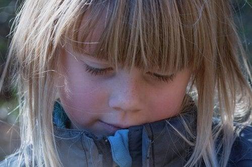 Confrontare vostro figlio con altri bambini stimola la sua insicurezza