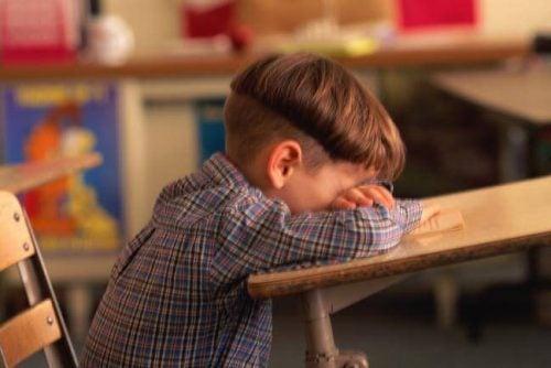 Basso rendimento scolastico: 6 cause principali
