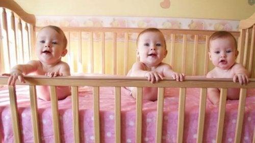 Se si adottano le giuste precauzioni, non c'è ragione per cui anche tre gemelli non possano nascere perfettamente sani
