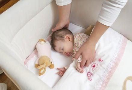 Vantaggi e svantaggi di una baby sitter