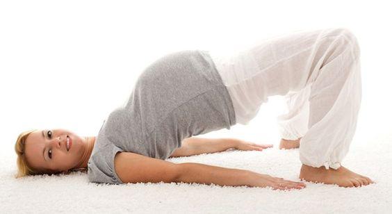 Fare yoga in gravidanza: un'abitudine salutare