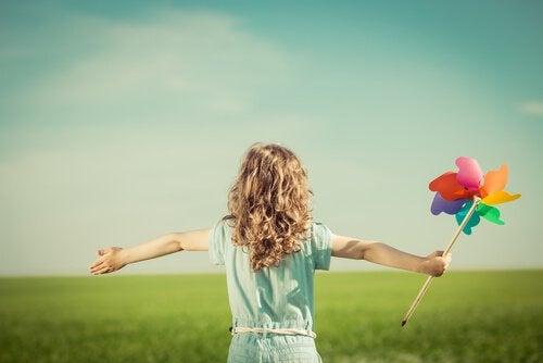 Le piccole cose possono riempire di gioia la vita di un bambino