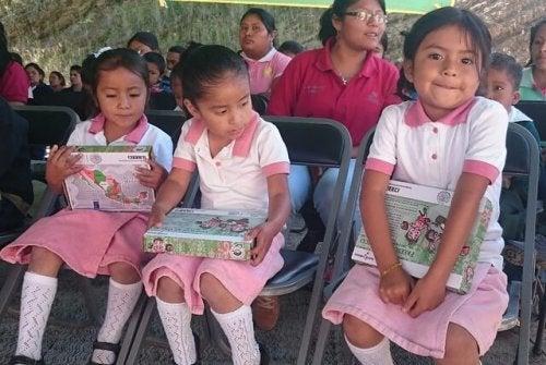 Bambine a scuola