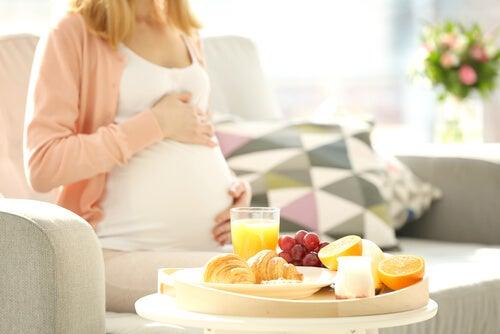 8 alimenti da evitare in gravidanza