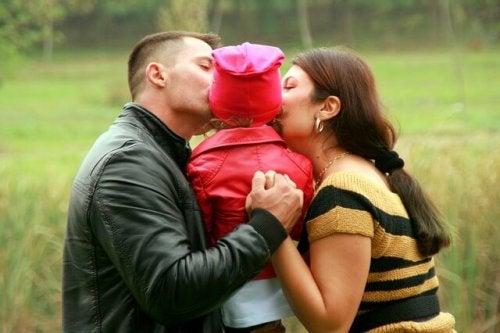 Per sconfiggere le paure, il bambino ha bisogno di sentirsi amato