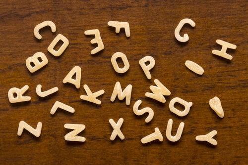La zuppa di lettere è un ottimo gioco per imparare a leggere