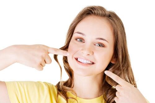macchie dentarie