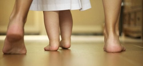Educare non significa imporre un percorso, ma insegnare a camminare