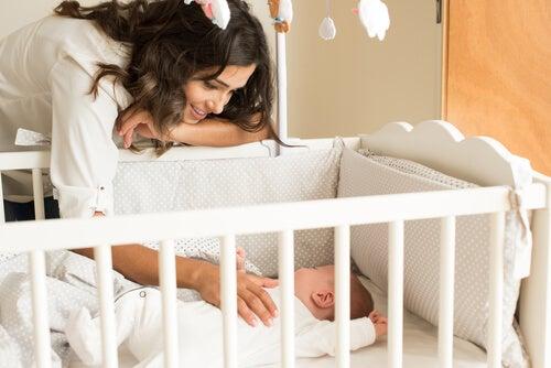 Culla del bebè: come dovrebbe essere?