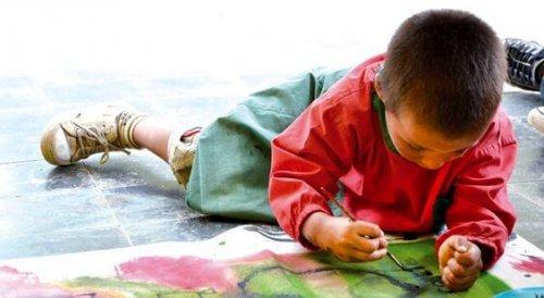 Per interpretare i disegni dei bambini bisogna considerare tratto, ubicazione e direzione dei soggetti disegnati