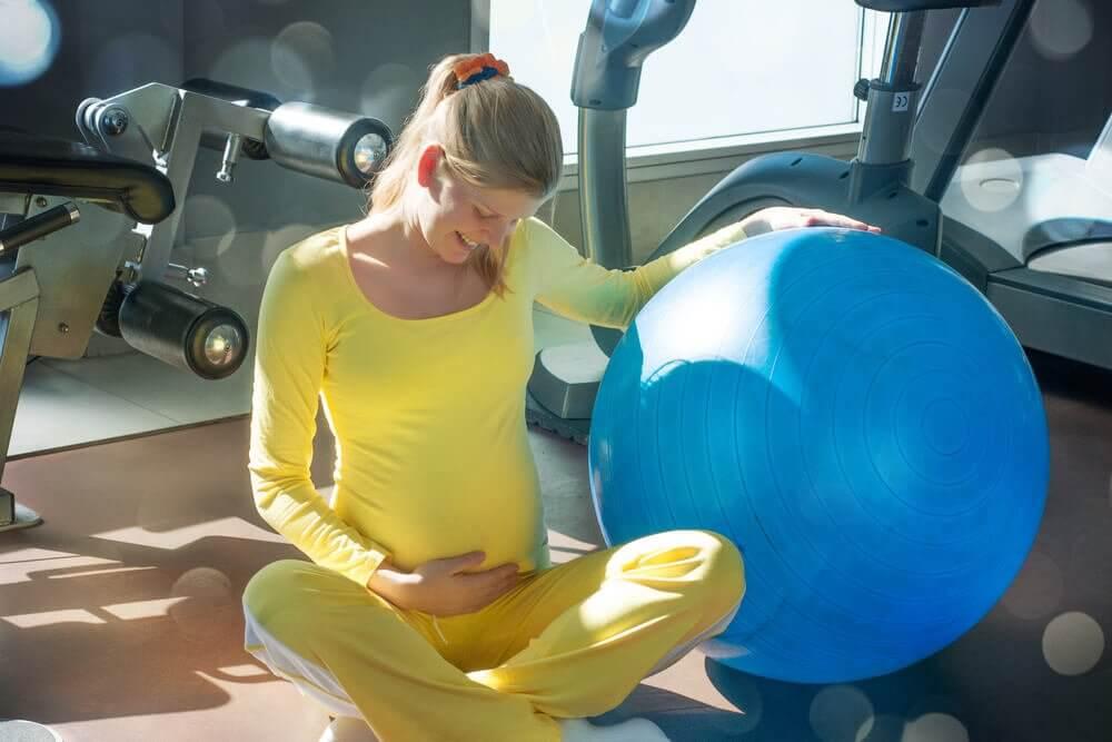 Esercizi per il pavimento pelvico: i 6 più efficaci