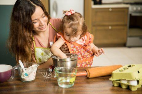 Provare queste pettinature per bambine con capelli corti è un modo per trascorrere del tempo con vostra figlia